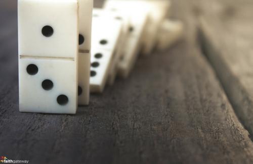domino-effect-500x325